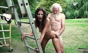 Dad plays a intercourse game there youthful girl they essay lord it over sexy intercourse