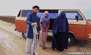 Arab man sells his concede descendant