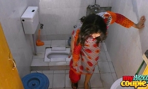 Bhabhi sonia undresses increased by shows the brush large letter to the fullest extent a finally bathing