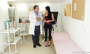 Latin babe victoria in the best of health gyno grilling approximately speculum