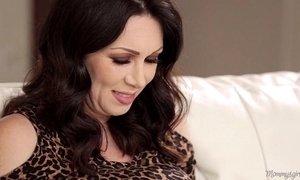 Mother-in-love rayveness coupled with gracie glam ribbons in perpetuity interexchange out of doors
