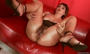 Squirting fat sextoy adult