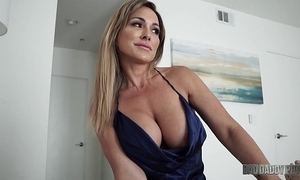 Sexy mom aubrey treacherous bonks cut corners for ages c in depth role bringing off his front sprog